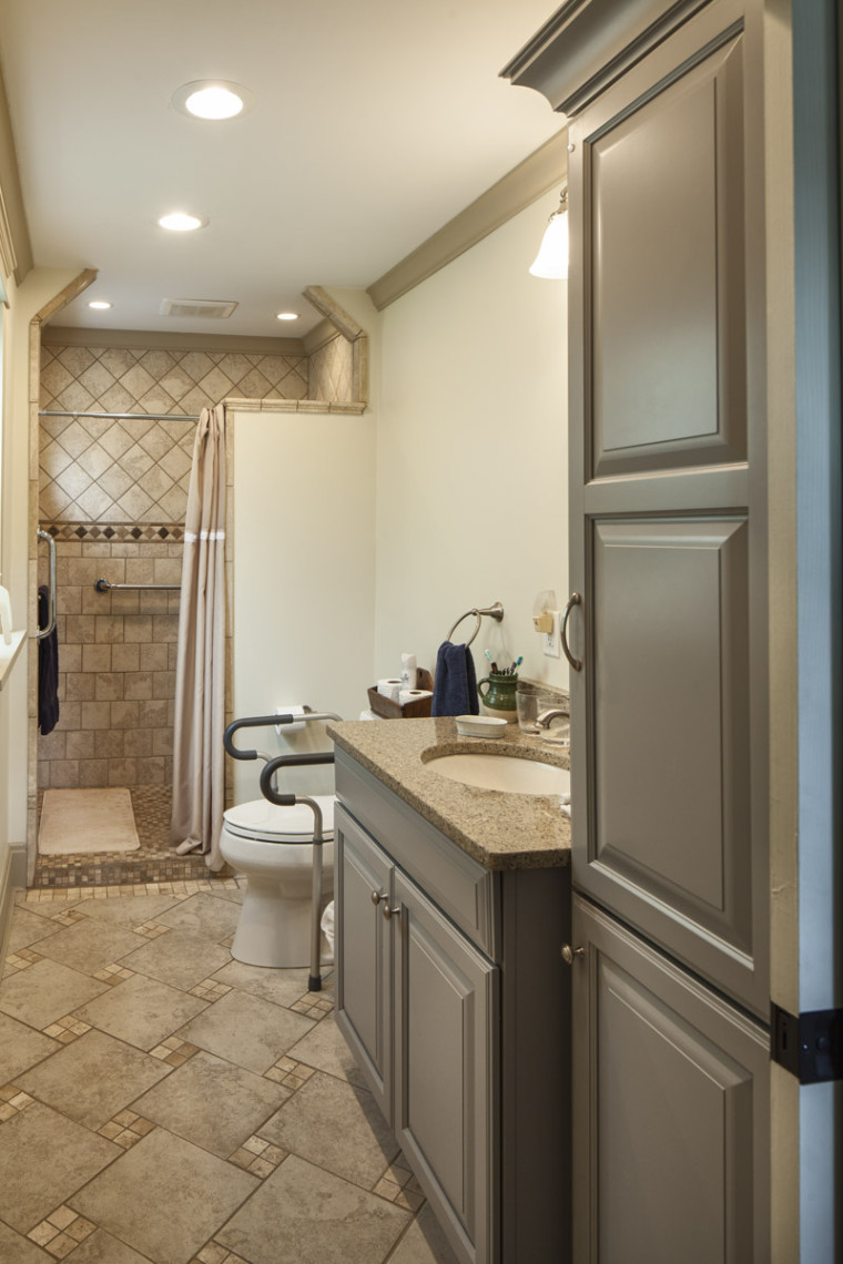 Handicapped accessible bathroom handy home guys for Wheelchair accessible bathrooms